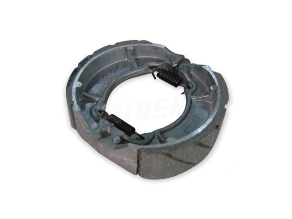 AX100 Brake Shoe With Line